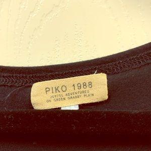 Black Piko Top